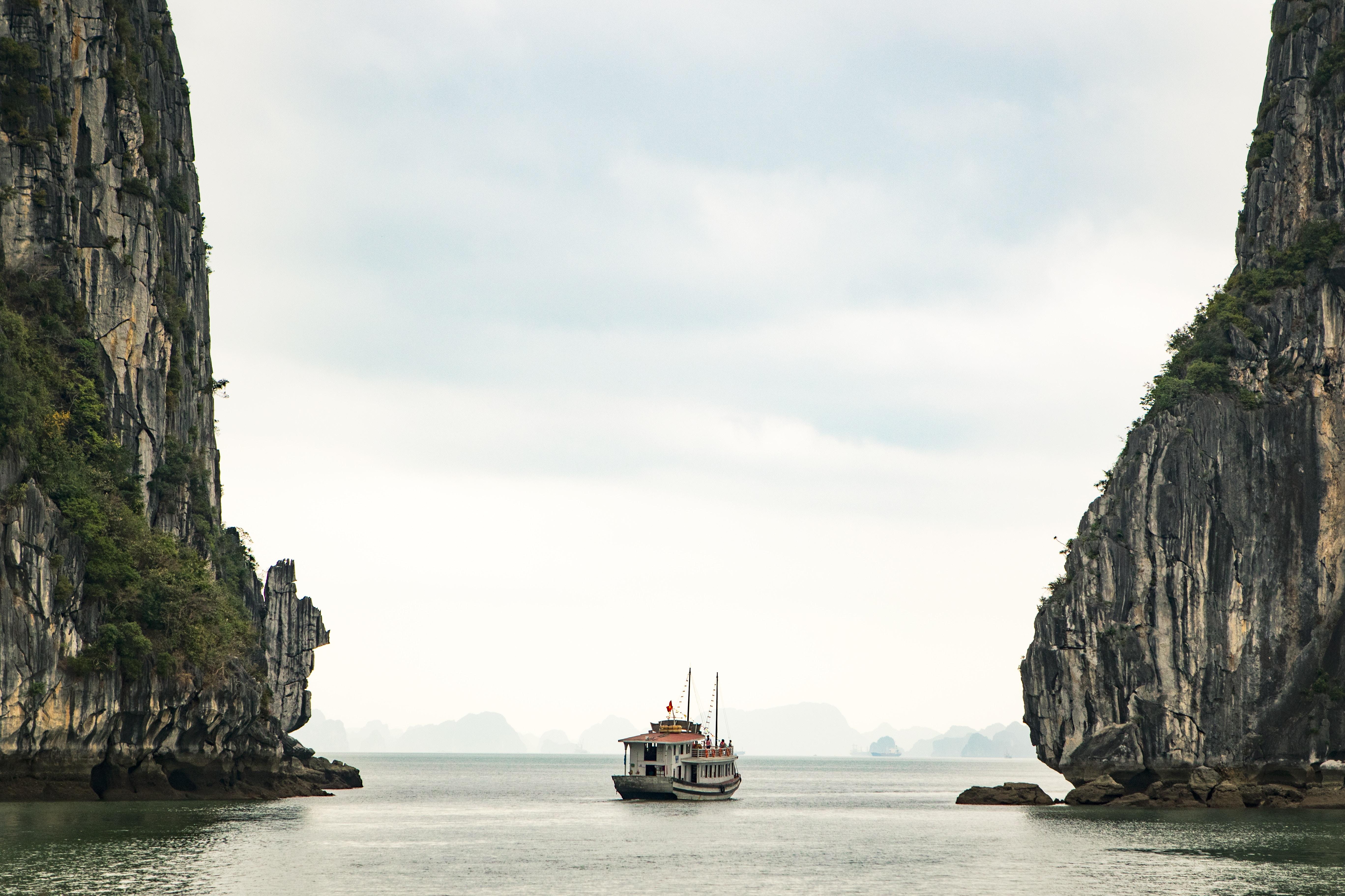 tours halong bay